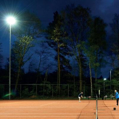 lighting at a tennis court